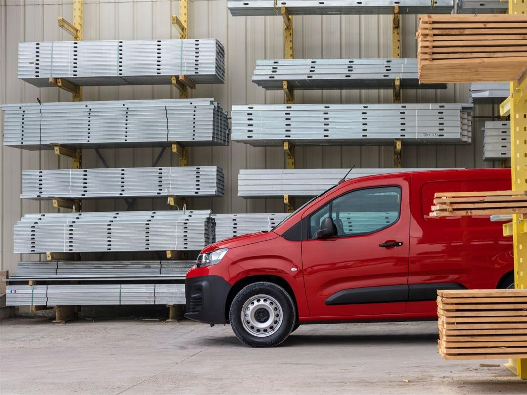Citroen Berlingo Vermelha